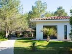 Luxury Villa Just Outside Montpellier. Four bedrooms, sleeps 8 (MONT129GN)