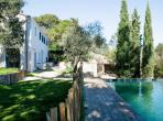 Contemporary Villa with Great Views. Fenced Pool. 7 Bedrooms, sleeps 10 - 12 (MONT153GN)