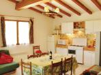 2 bedroom holiday home to sleep 4 near montelimar provence (MONTEPD094)