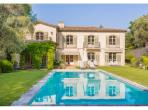 MOUG104OL - Luxury Villa near Mougins with private pool and tennis court. Sleeps 10.