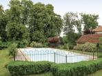 10 bedroom holiday home to sleep 20 near mussidan dordogne and lot (MUSSF24181)