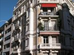 Lovely fourth floor apartment located in Nice, two bedrooms, easy walk to everything, sleeps 5. (NICE108)