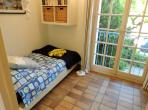 A charming holiday home, 3 bedrooms, sleeps 6 (PTGR136HR)