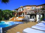 Stunning Villa on Boulevard Patch close to the Beach. 6 bedrooms.  (RAM127HR)