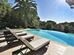 Fantastic location with Infinity Pool. Three bedrooms, sleeps six (RAM131PV)