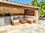Beautiful 4 bedroom house in the centre of Sauvian with private heated pool and air-con, 10 mins to beach, short walk to amenities. Sleeps 8. (SAUV107)