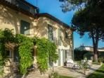 Luxury villa in Saint Paul de Vence with large Pool. 5 bedrooms to sleep up to 9 (SPDV102)