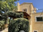 Villa in peaceful village 30 minutes from Cannes. Sleeps 10. (SPF101)