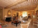 Beautiful 5 bedroom holiday villa within walking distance of Saint Remy de Provence, with private pool, tennis courts and fitness suite. Sleeps 10. (SRDP126EE)