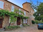 Traditional stone farmhouse with private heated pool. Sleeps 13 in 5 bedrooms. (STAR102)