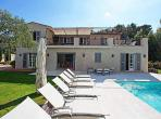 Luxury Villa in Gated Domain. Large Pool. To sleep 14 (STPZ160HR)
