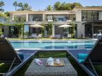 Nestled in a wide graden, with a large mirror swimming pool. 10 bedrooms (STPZ175HR)
