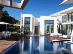Modern Villa near Pampelonne Beach. 6 bedrooms, sleeps 12 people. (STPZ180PV)