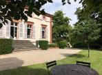 Luxury Elegant House Just Outside Toulouse. Heated Saltwater Pool. 8 bedrooms, to sleep 16 (TOUL103GN)