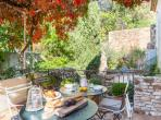 Stunning property near Nimes in one of the prettiest towns in the area sleeps 7 (UZES114OL)