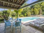 Elegant town villa in Vauvert, set on a hillside offering far views, with private swimming pool. Sleeps 8. (VAUV101Q)