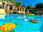Beautiful villa in Cote d Azur with heated private pool and aircon - sleeps 10 (VENC101)