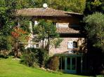 Stunning 16th century home in Villeneuvette, offering beautiful nature, a private pool and 6 bedrooms. Sleeps up to 17. (VLN101)