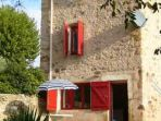 Vineyard House. Cruzy. Languedoc. Property. Holiday. Outside view.
