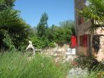 Vineyard House. Cruzy. Languedoc. Property. Holiday. Garden.