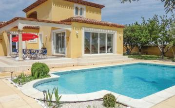 3 bedroom holiday home to sleep 8 near agde languedoc roussillon (AGDFLH214)