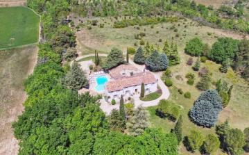 Glorious Villa with private pool  sleeps 12 (AIX102)