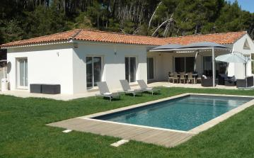 Stunning villa with private swimming pool near Aix en Provence (AIX104)
