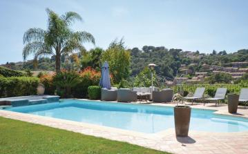 4 bedroom holiday home to sleep 8 near antibes cote dazur (ANTFCA675)
