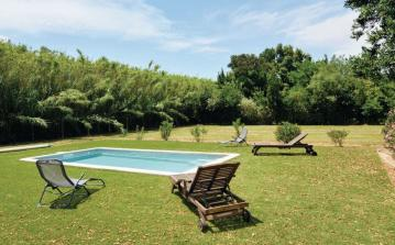 4 bedroom holiday home to sleep 8 near arles provence (ARLEFPB311)
