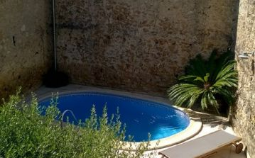 Superior Village House with Private Pool. 4 bedrooms, sleeps 8 (AUT102)