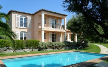 Lovely Villa on Private Domaine with two Pools, Tennis etc. 4 bedrooms, sleeps 8 (BEAU112D)