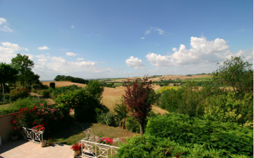 Built in 1843, traditional farmhouse transformed into luxury country home with pool, close to Toulouse. 9 bedrooms, sleeps 18. (BEAUT101)