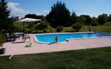 BGR101 - Beautiful villa in Bellegarde du Razes with a private swimming pool and beautiful views. 5 bedrooms.