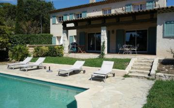 Spacious House in Biot, near Antibes. Five bedrooms, to sleep 10 (BIOT112)