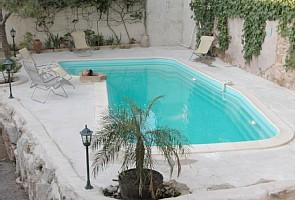 Maison de Capestang, private pool, holiday, patio, beach chairs, shower, holidays, rental, Languedoc
