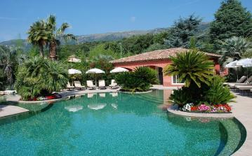 Beautiful 2 bedroom family villa, complete with a private garden and shared swimming pool. Sleeps 2 to 4 people. (CARR102)
