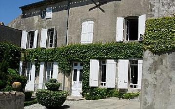 chateau rental