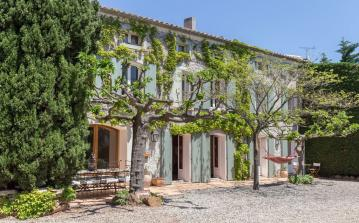 Luxury 19th Century Mediterranean villa, located in Fabrézan, private swimming pool. 6 bedrooms, sleeps 12. (FAB101)