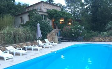 Spacious and luxurious villa in Fayence with all amenities and extras, private pool and 6 bedrooms sleeping 12 people.  (FAY105)