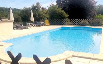 2 bedroom holiday home to sleep 4 near hautefort dordogne and lot (HAFOF24240)