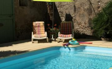 Spacious house with swimming pool and 4 bedrooms (HERE102)
