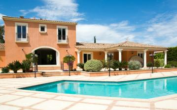 Beautiful Family Villa Between Montpellier and the Sea. Private Pool. 4 bedrooms, sleeps 8 (MONT139GN)