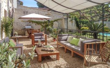 Charming House with Pool between Montpellier and Nimes. 5 bedrooms, sleeps 9 (MONT141GN)