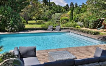 Stunning Villa on Golf Course near Montpellier. Pool and Tennis. 5 bedrooms, sleeps 10 (MONT142GN)
