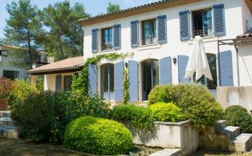 Provencal Villa near Montpellier with Private Pool. 5 bedrooms, sleeps 9 (MONT148GN)