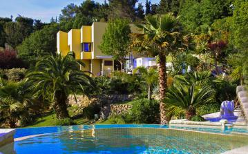 MOUG109Q - Mougins luxury Cote d Azur Villa Sleeps 12