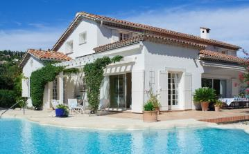 Luxury Villa with Heated Pool. Walking Distance to Shops. 6 bedrooms to sleep 12 (MOUG125PV)