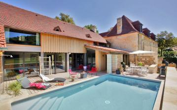 Gorgeously Restored Luxury Property, Périgord Noir. Three bedrooms to sleep 6 (MTGC102)