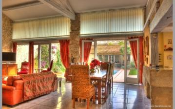 Villa. Nissan Lez Enserune. Languedoc. Property. Holiday Home. Lounge and dining table.