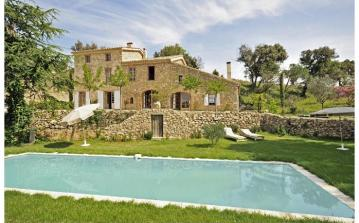 PDLA107OL - Authentically restored stone bastide, located in the hills surrounding Plan de la Tour with private swimming pool. Sleeps 8.